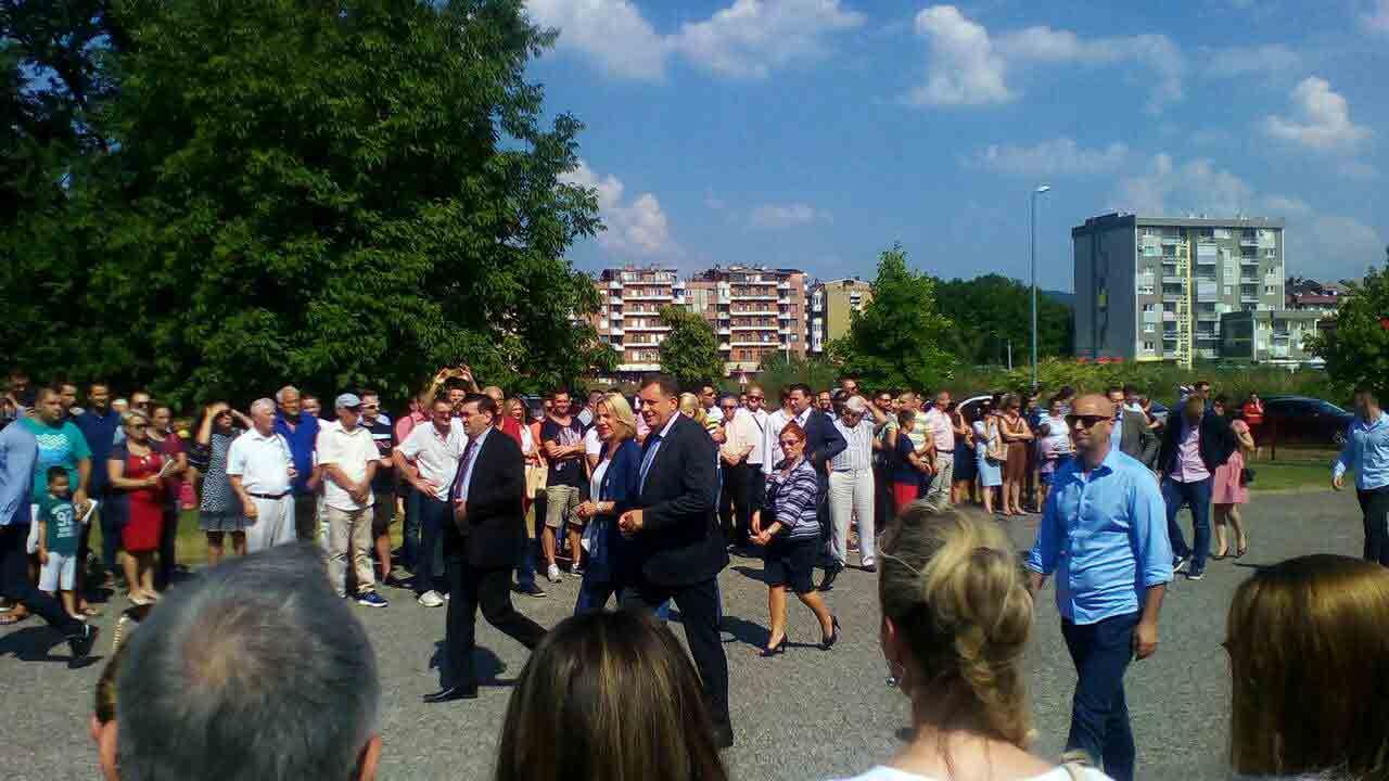 Doboj Foto Milorad Dodik Polozio Kamen Temeljac Novoj Sportskoj