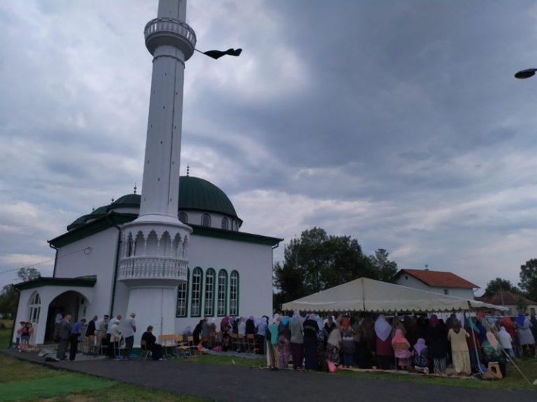 Derventa: Otvorena džamija u Turskim Lužanima